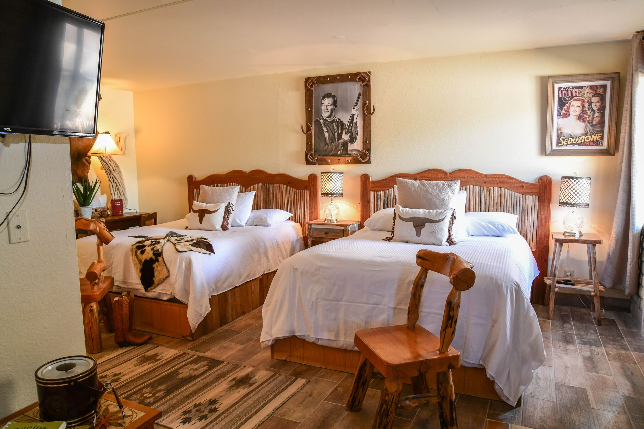 Queen Deluxe Room at the Tumbleweed Hotel